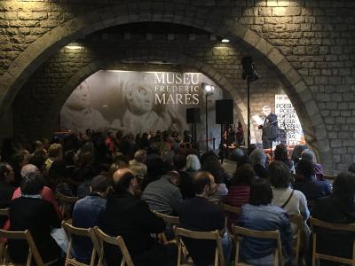 Recital poético de Atxaga y Piera en el Festival de Poesía de Barcelona